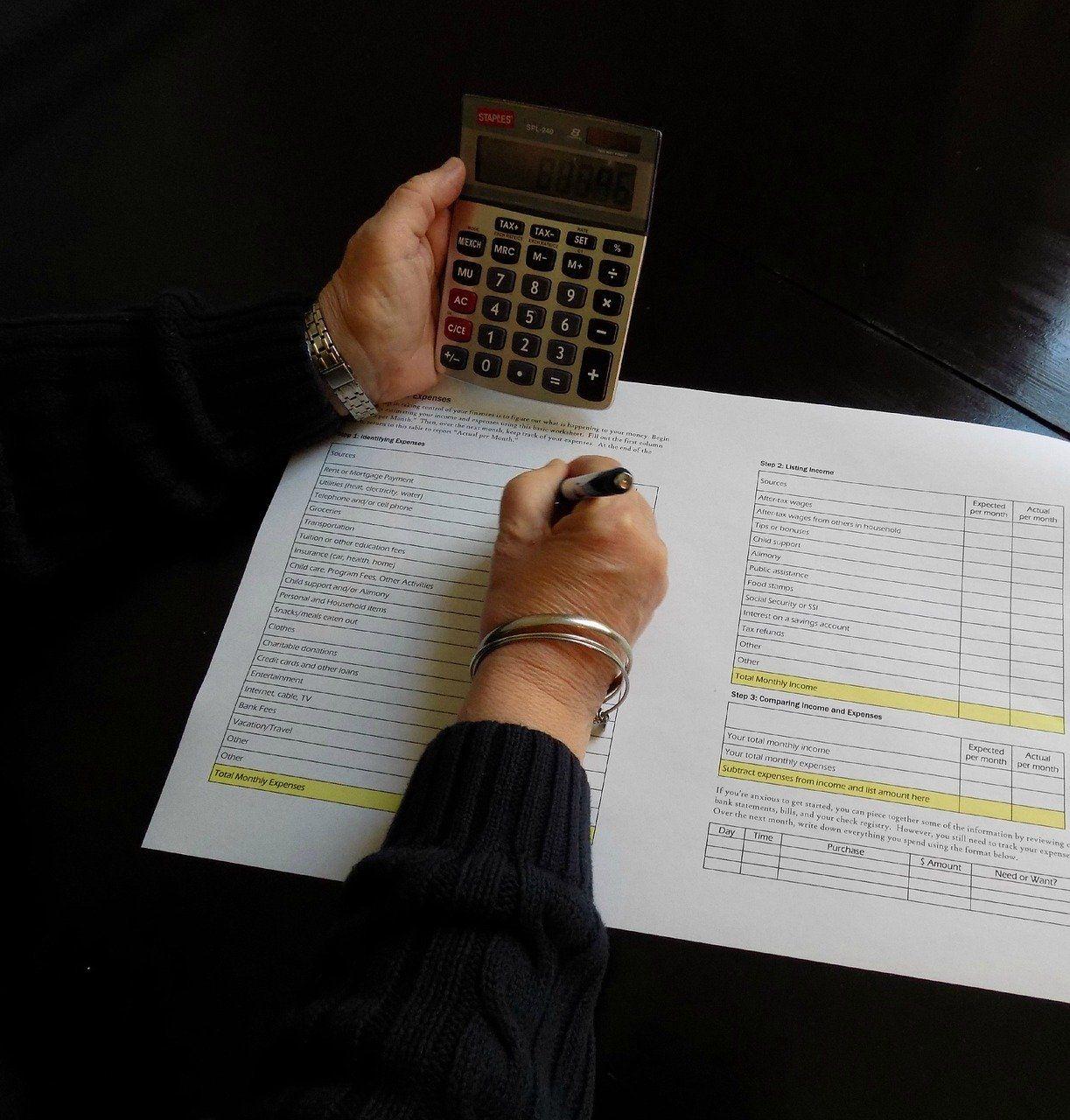 Ningún ajuste del ESFA es aceptado tributariamente. Corrección de las declaraciones que los incluyeron